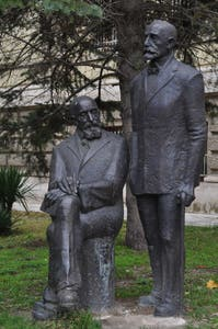 Statue of the brothers Shkorpil
