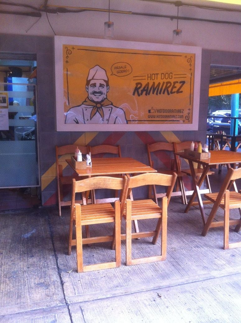 Mueble en Hot Dog Ramirez