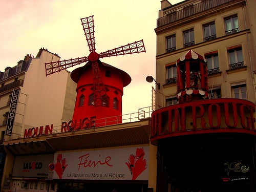 Pared en Moulin Rouge