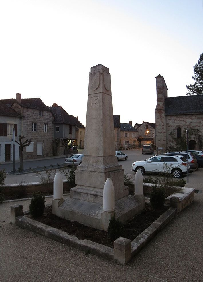 Ancient History in Monument aux Morts de Brignac la Plaine
