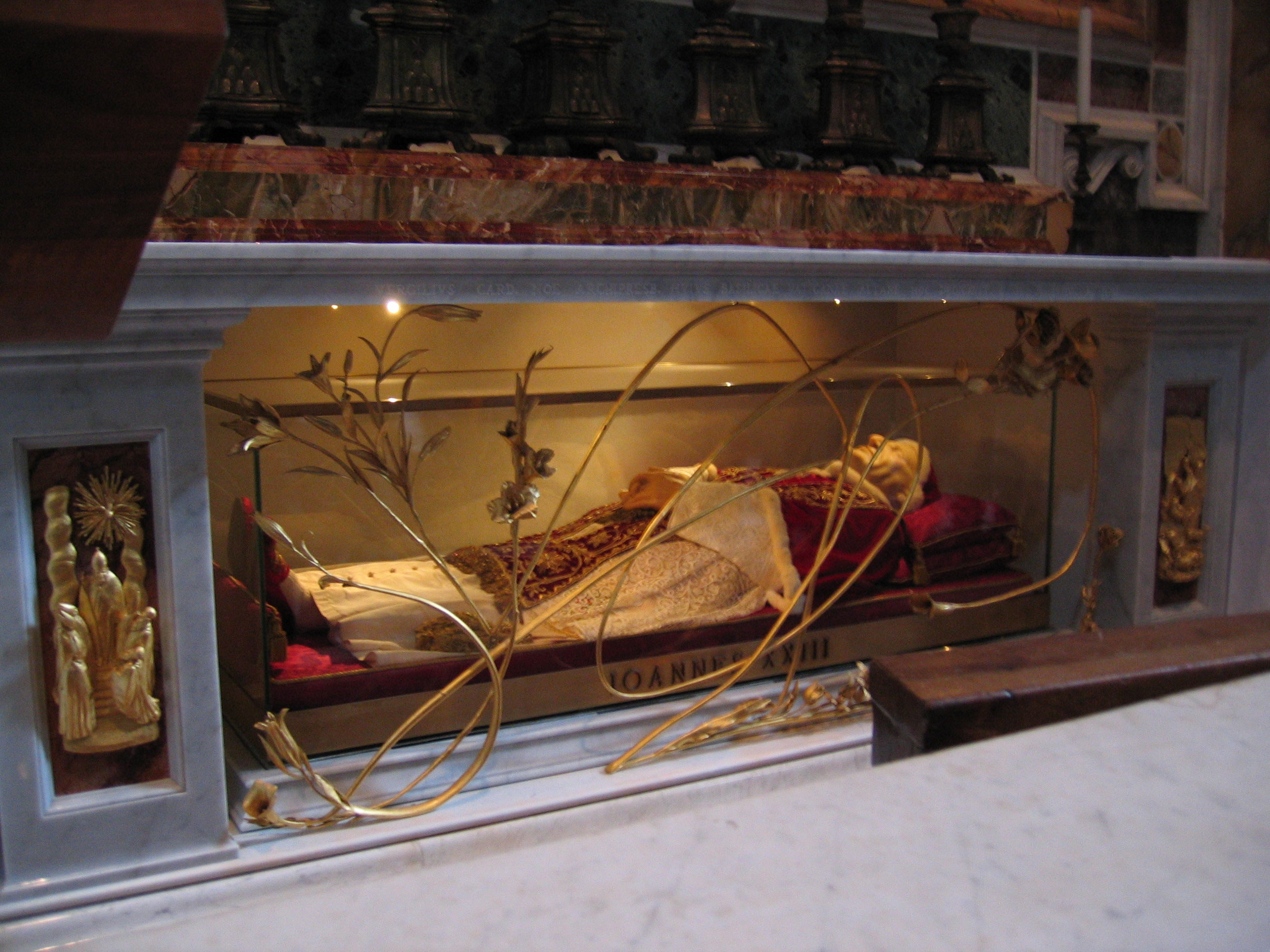 Remains of John XXIII in St. Peter's Basilica