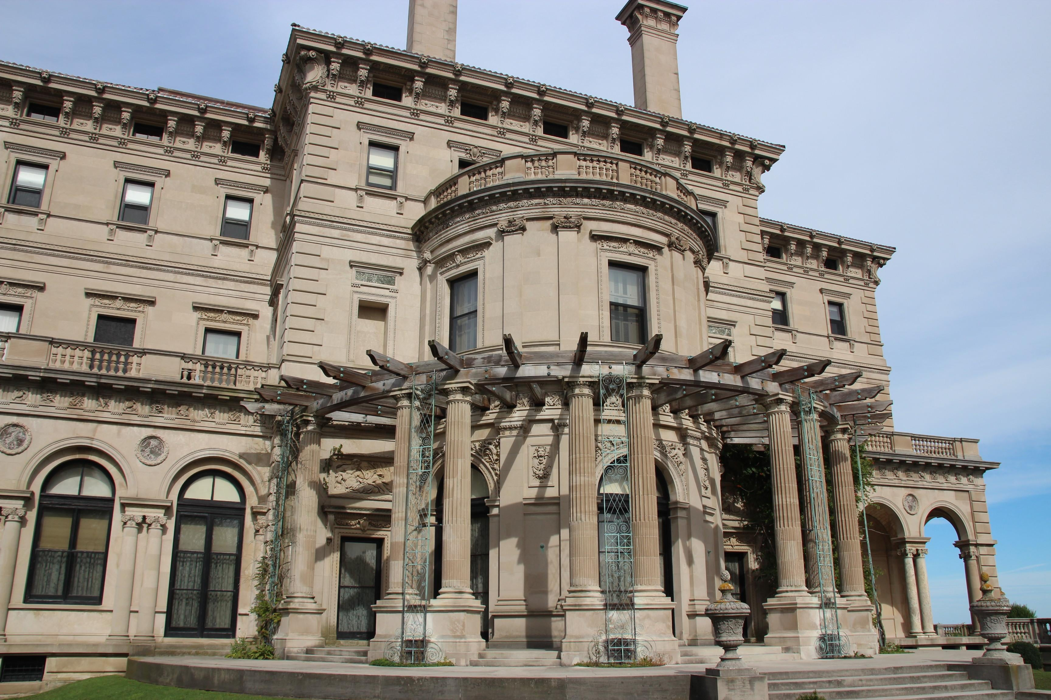Arquitectura romana antigua en The Breakers Mansion