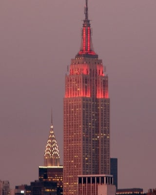 Color rosa en Empire State Building