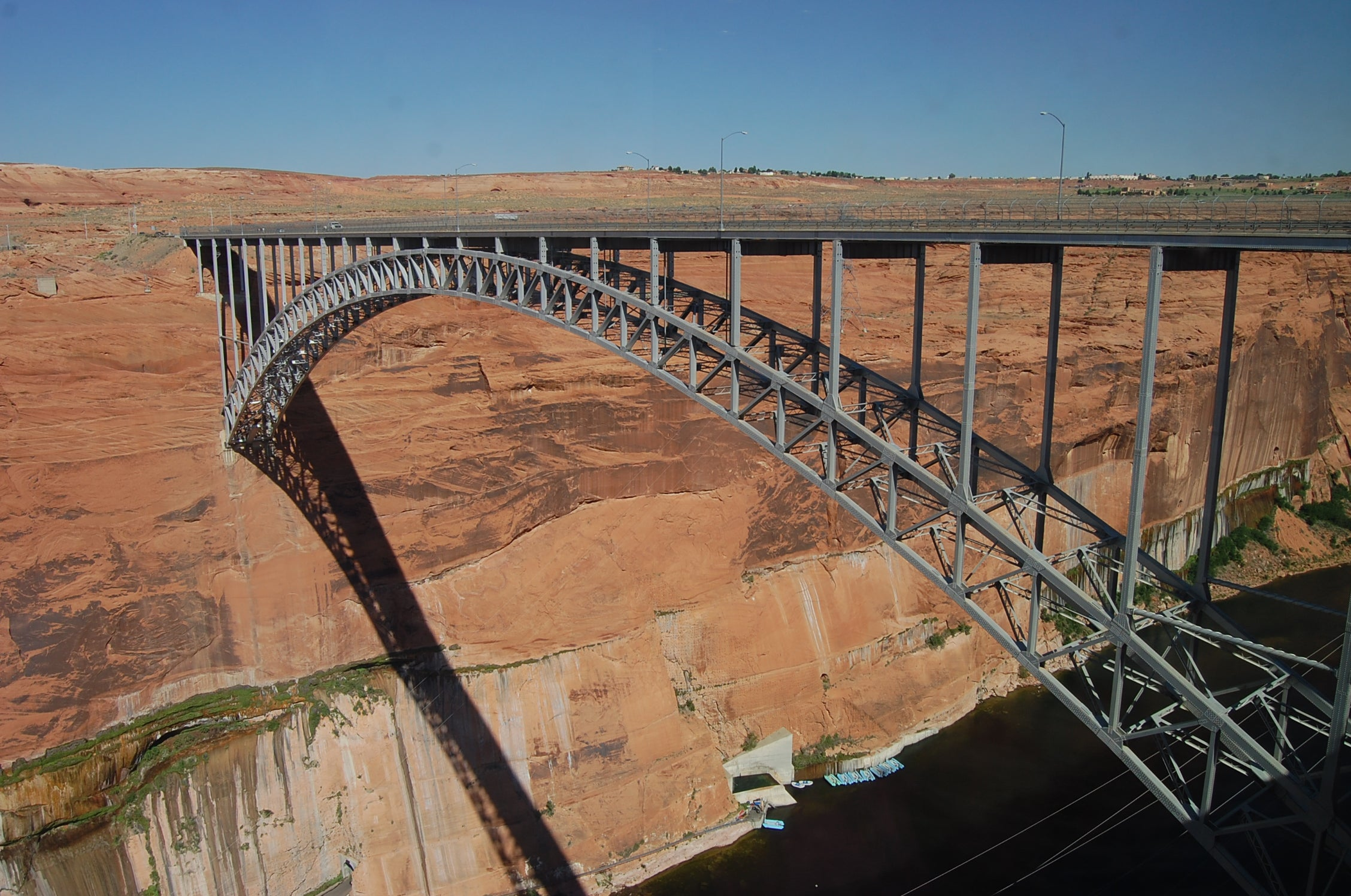 Transporte en Glen Canyon Bridge