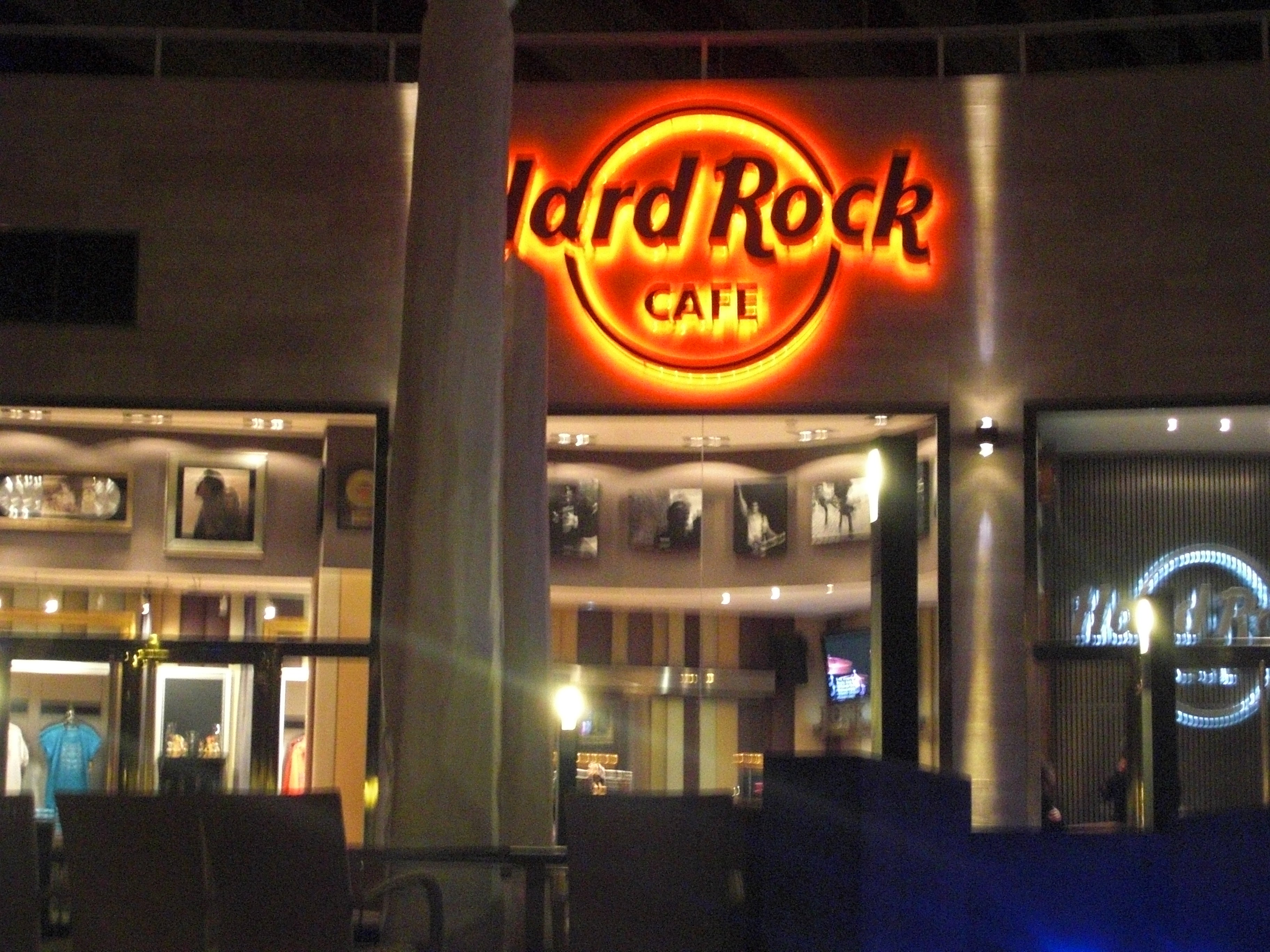 weakness of hard rock cafe Some of the major competitors of nando's are hard rock cafe this is the swot analysis of nando's  weaknesses in the swot analysis of nando's.