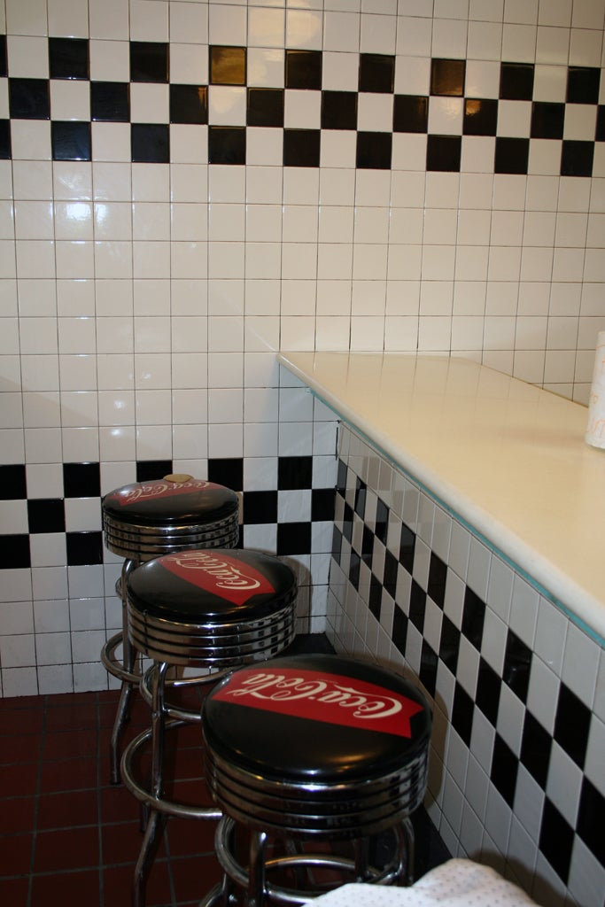 Sala en Billy's Giant Hamburgers