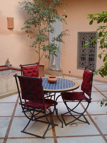 Le patio meuble h tel riad zahr marrakech for Meuble patio
