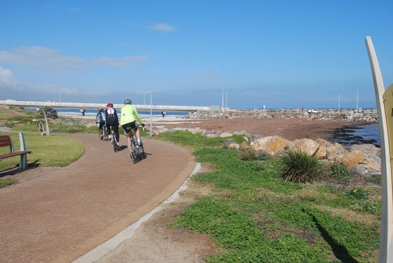 Paseo en Coast Park Bike Path