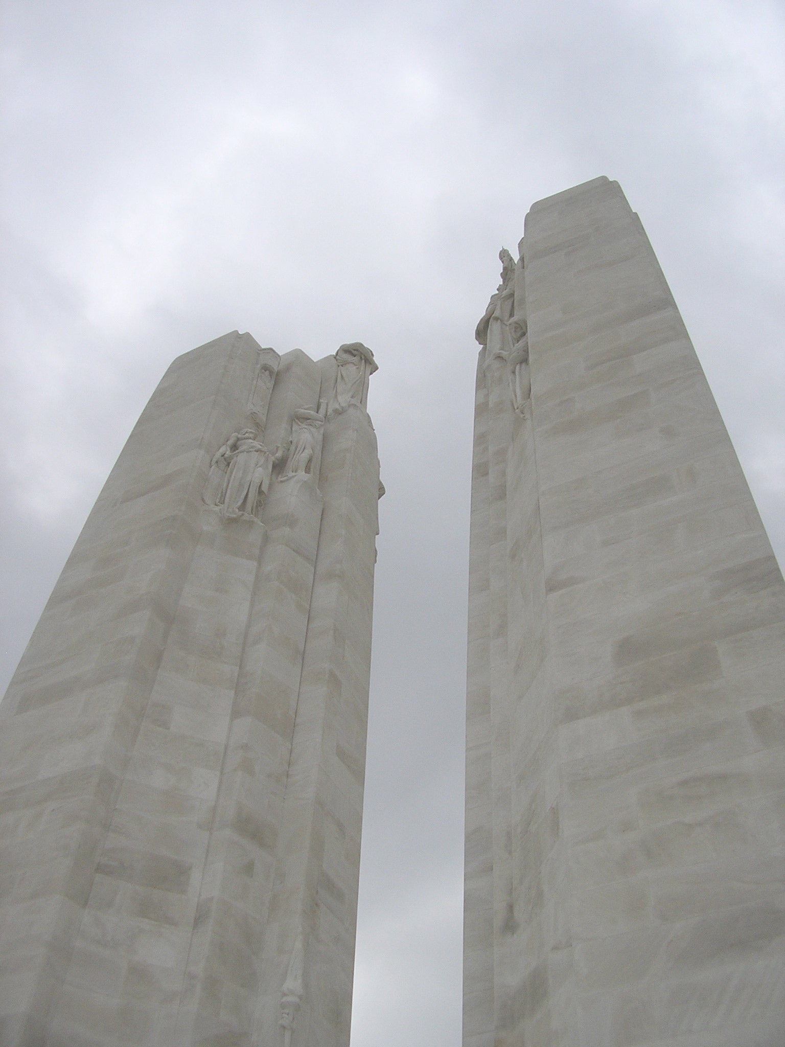 Fachada en Canadian National Vimy Memorial