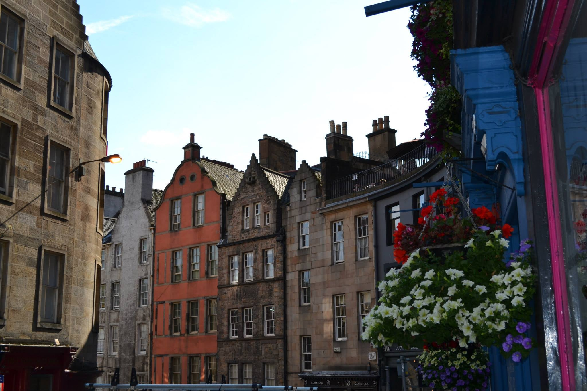Rojo en Royal Mile