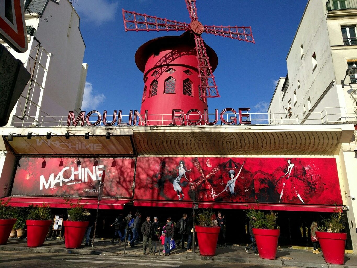 Santuario en Moulin Rouge