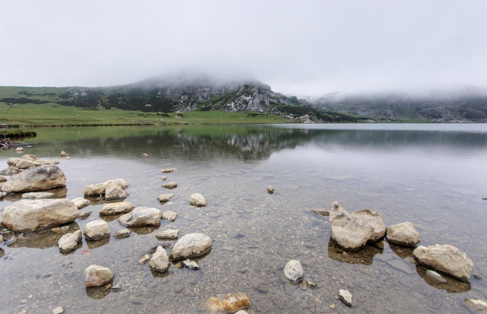 Shore in The Lakes of Covadonga - Enol and Ercina lakes