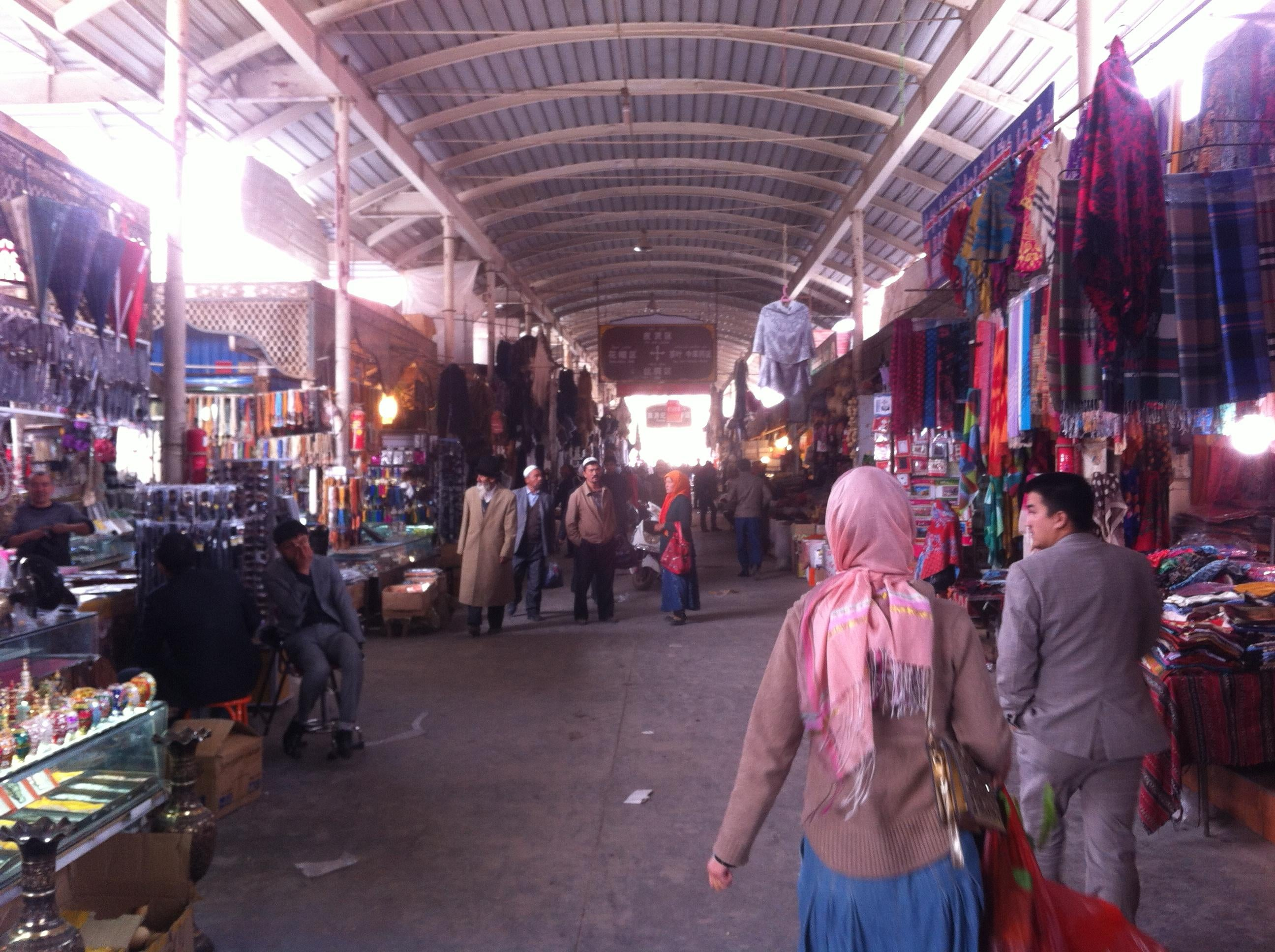 Multitud en Mercado de Kashgar