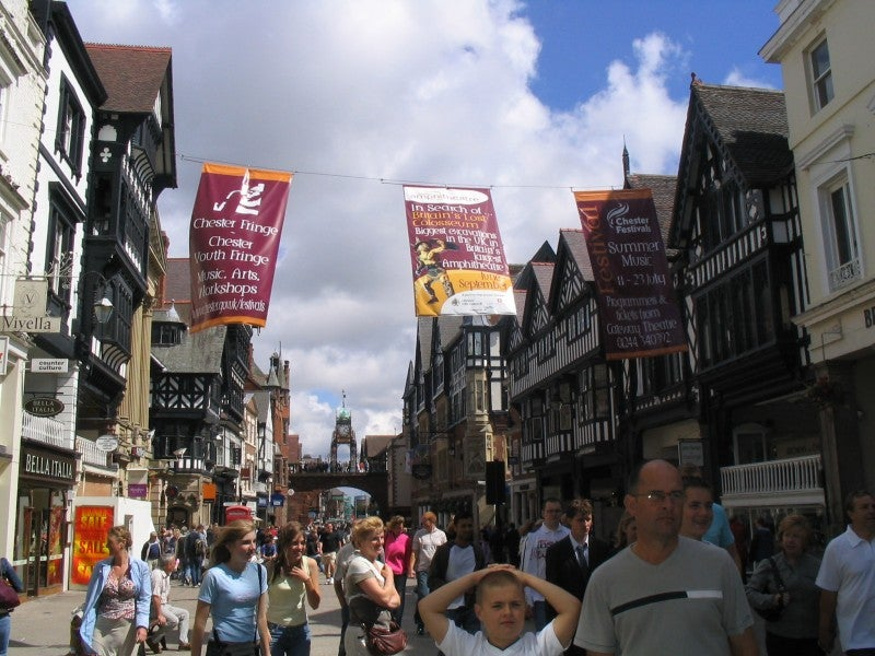 Multitud en Chester