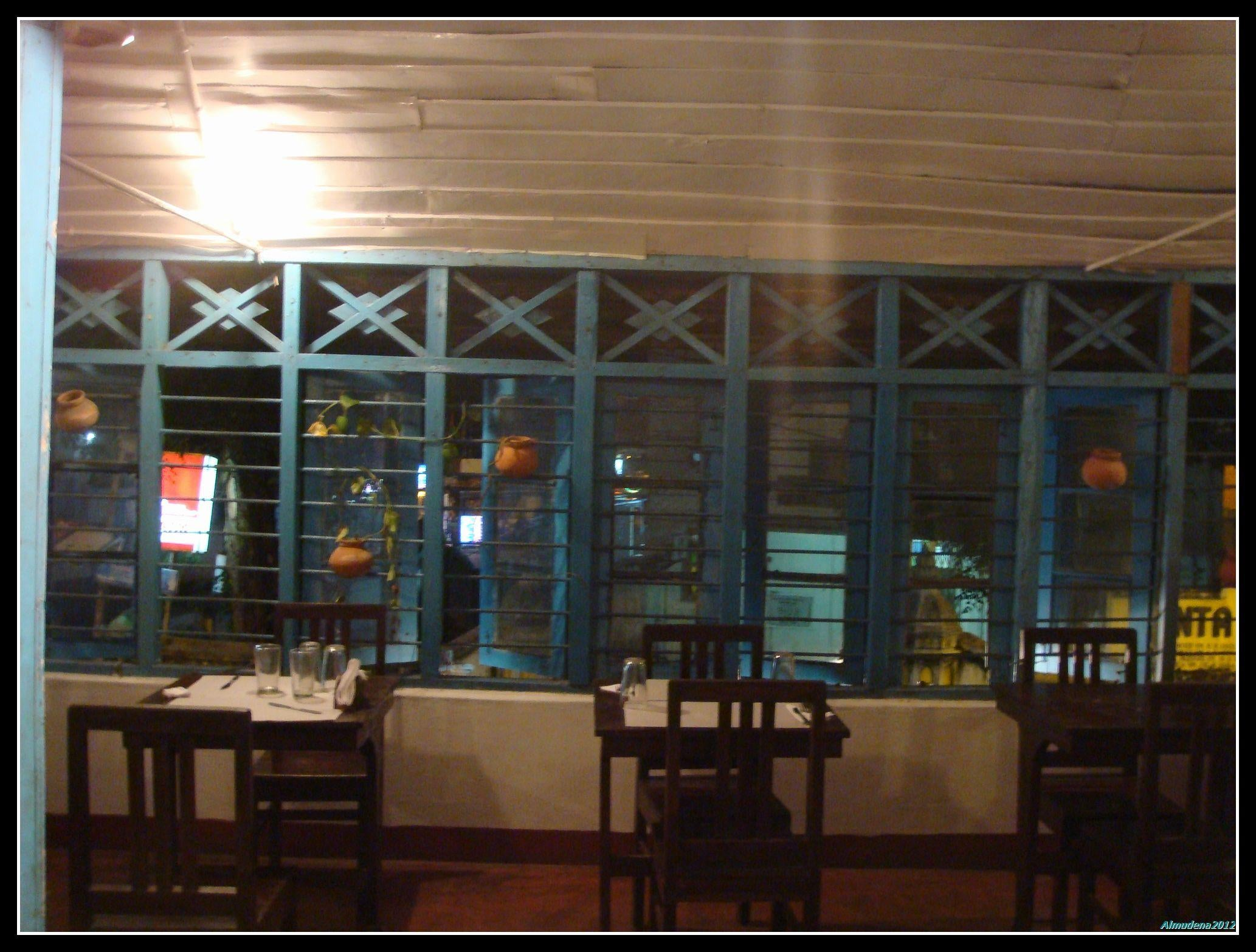 Fachada en Upstairs Italian Restaurant