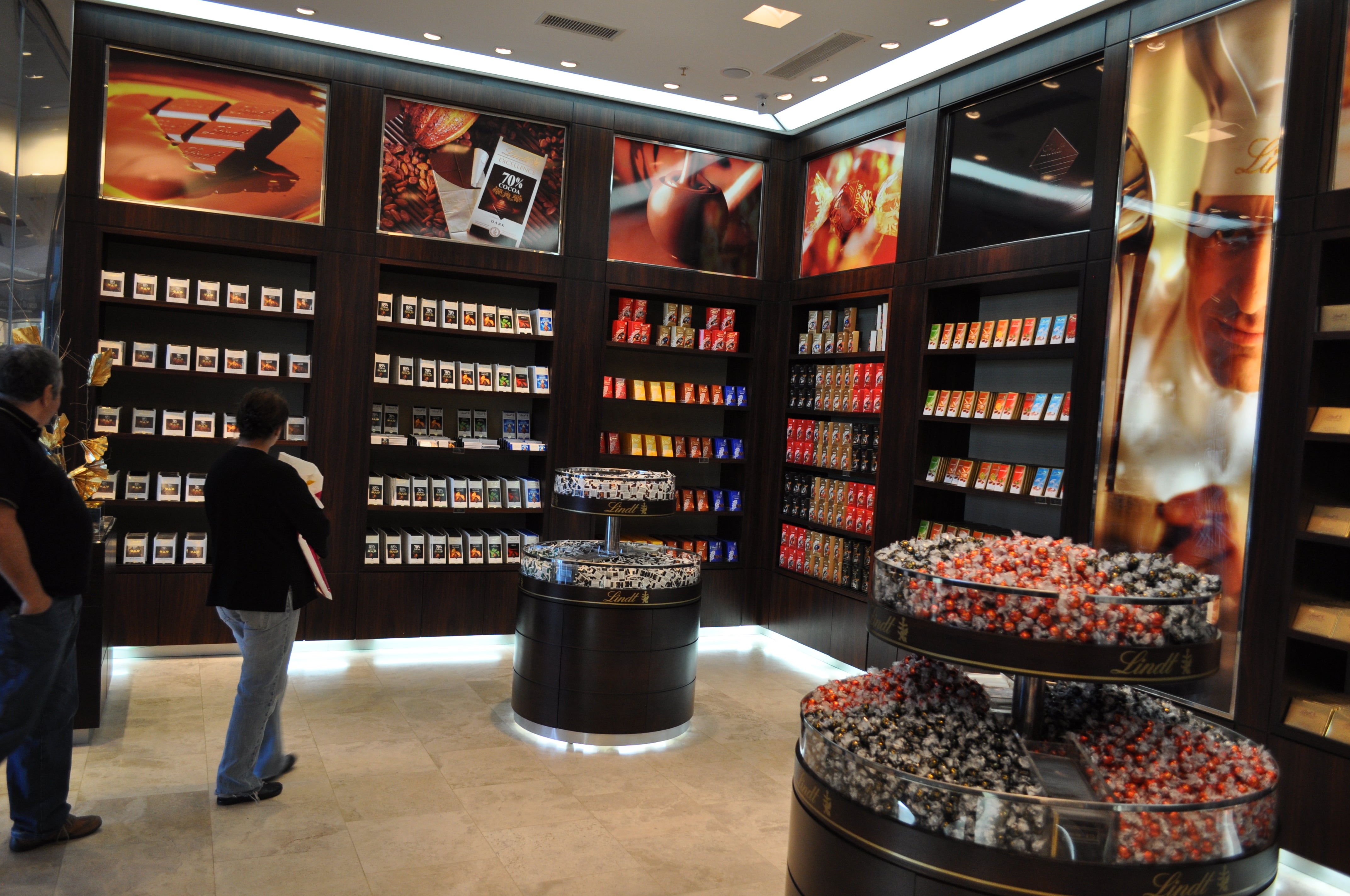 Magasin de chocolats LINDT