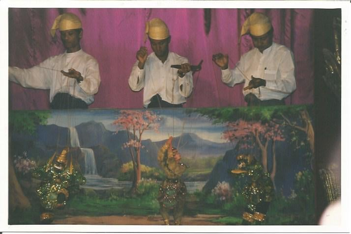 Turismo en Mandalay Marionettes Theater
