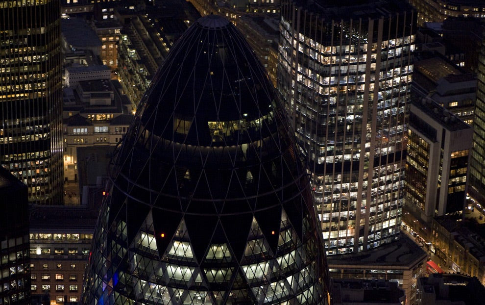 Noche en Swiss Re Tower - Torre Gherkin