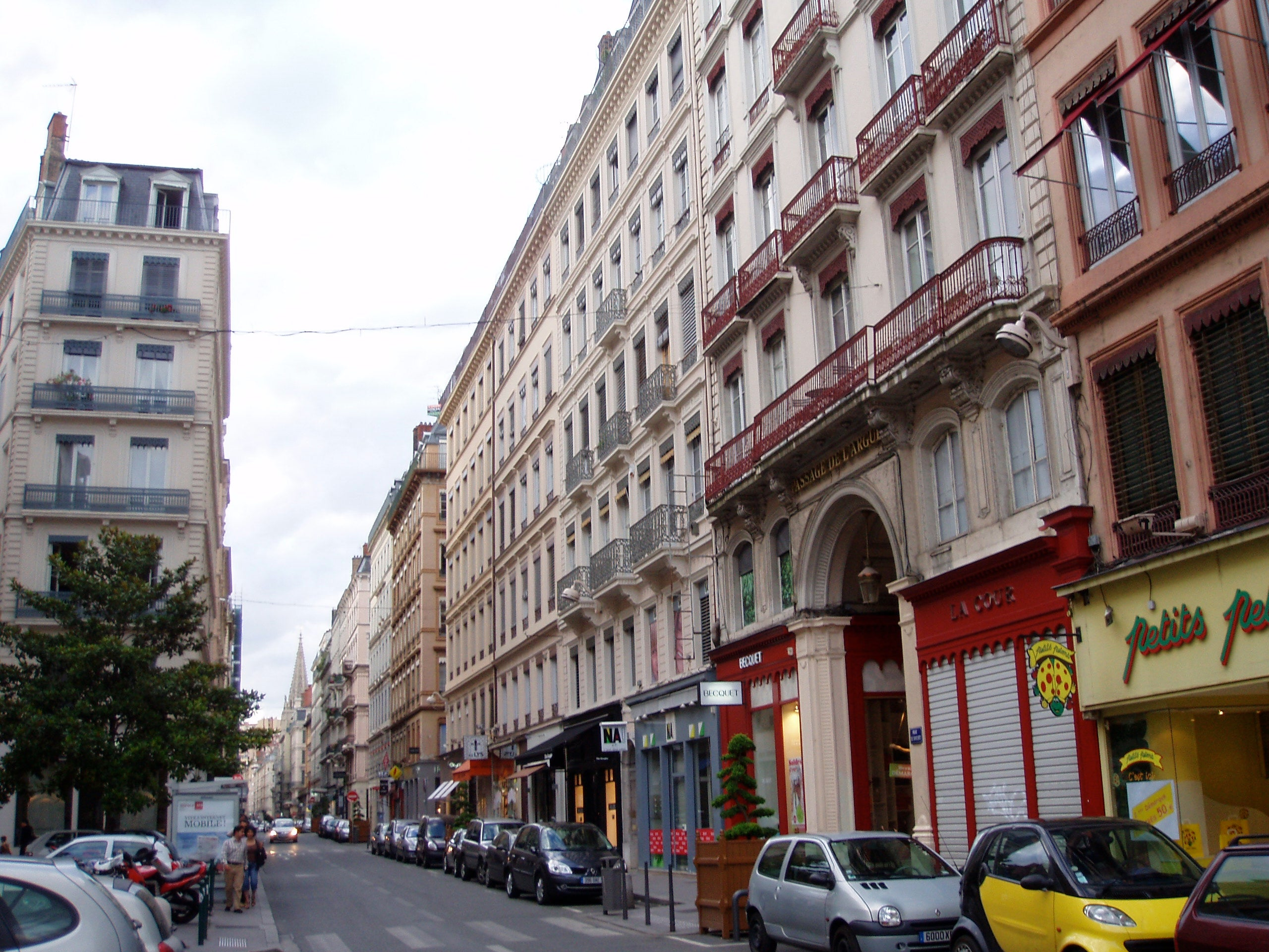 rue de brest lyon 1 exp riences et 1 photos. Black Bedroom Furniture Sets. Home Design Ideas