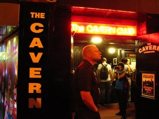 Noche en Club The Cavern