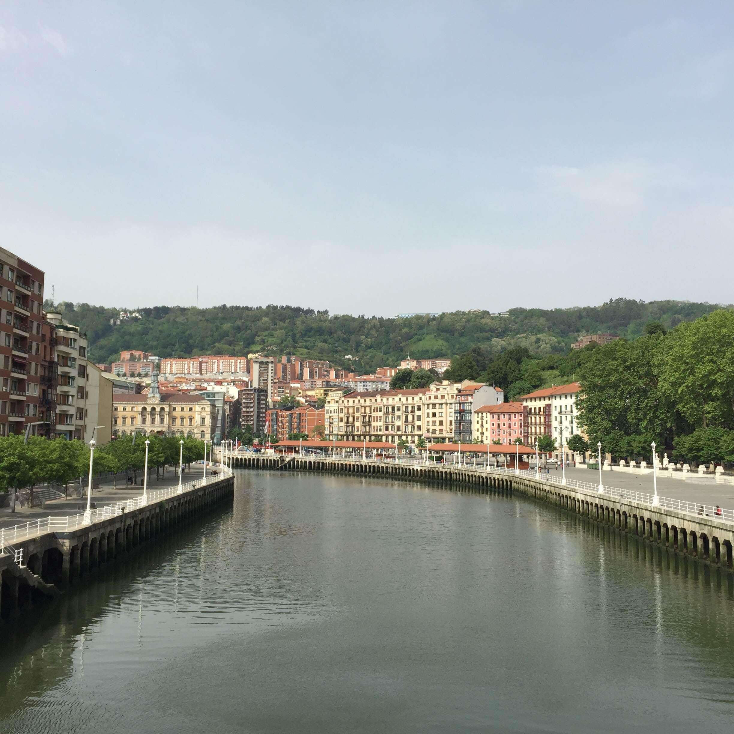 Canal en Paseo del Arenal