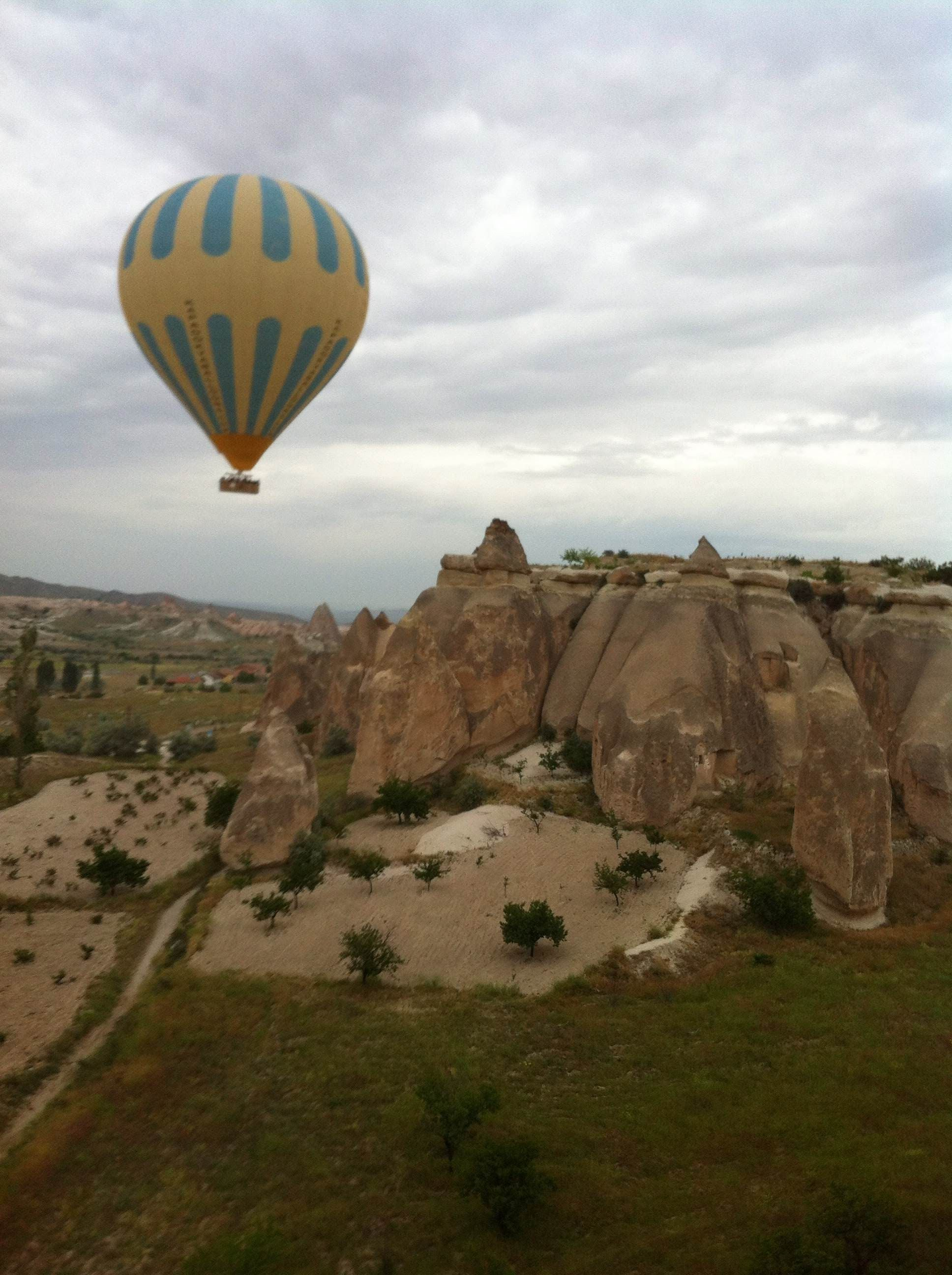 Globo aerostático en Mirador de Göreme - Sunset Point