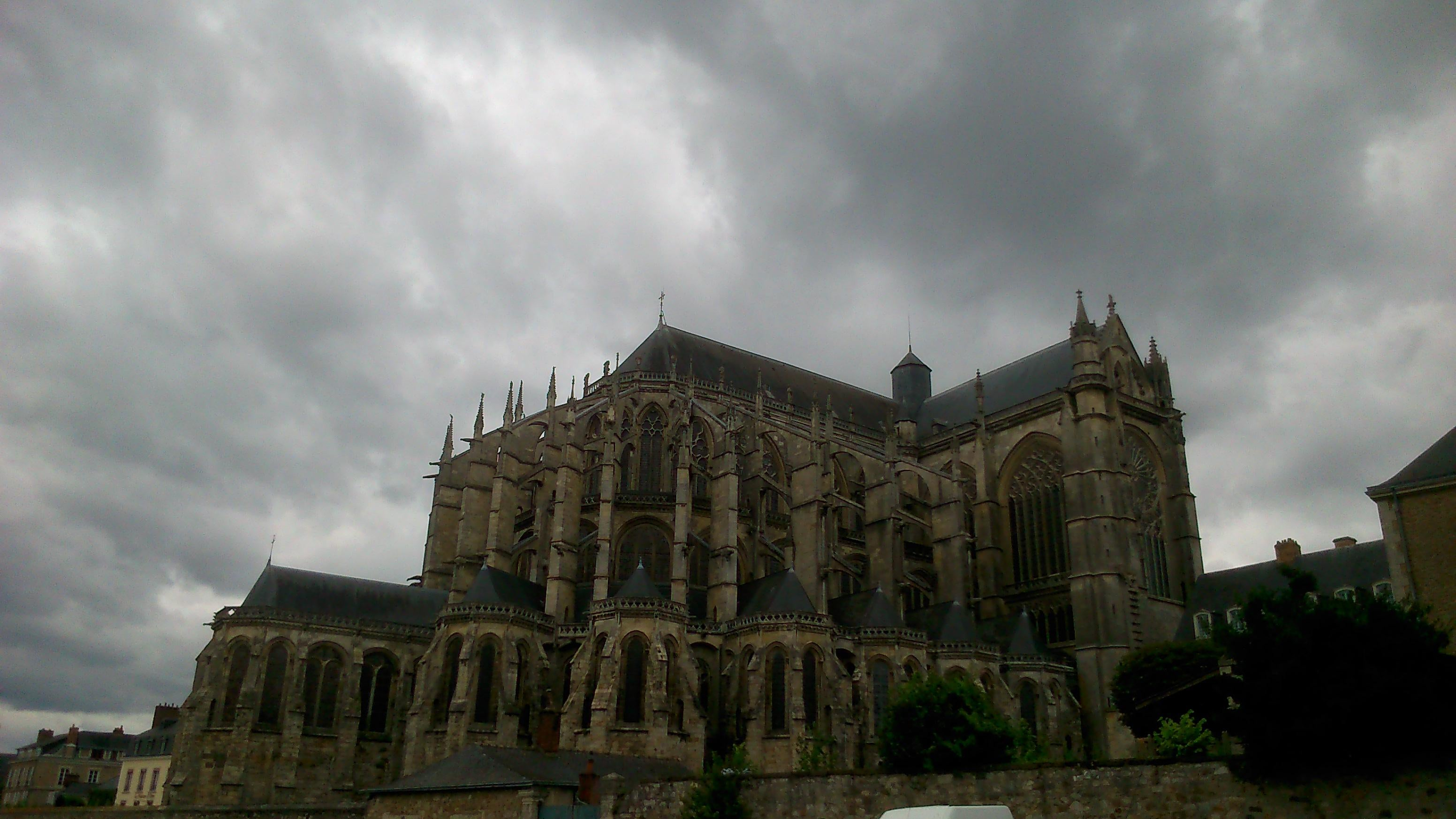 Nube en Catedral Saint-Julien