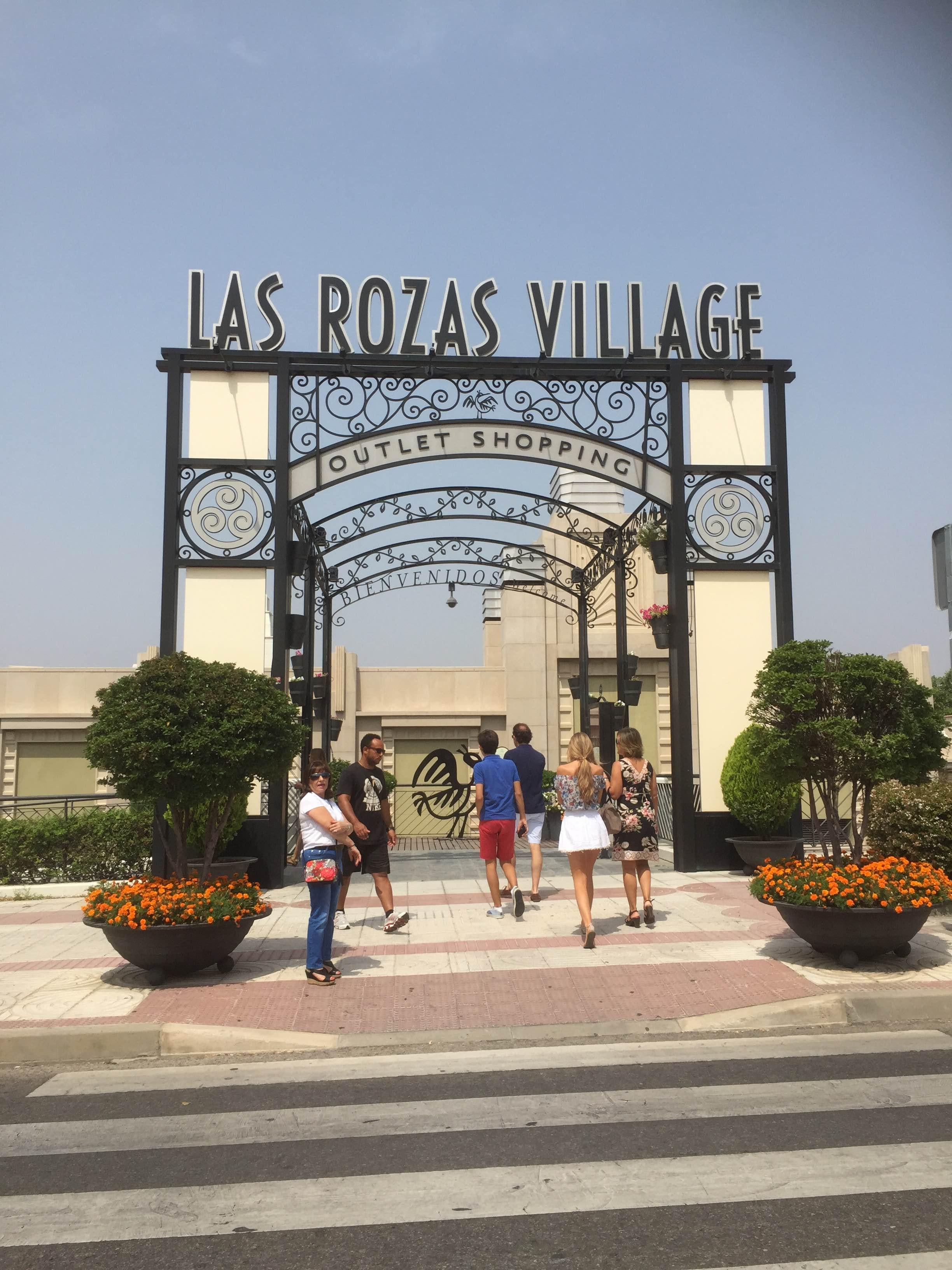 Arco en Las Rozas Village outlet shopping