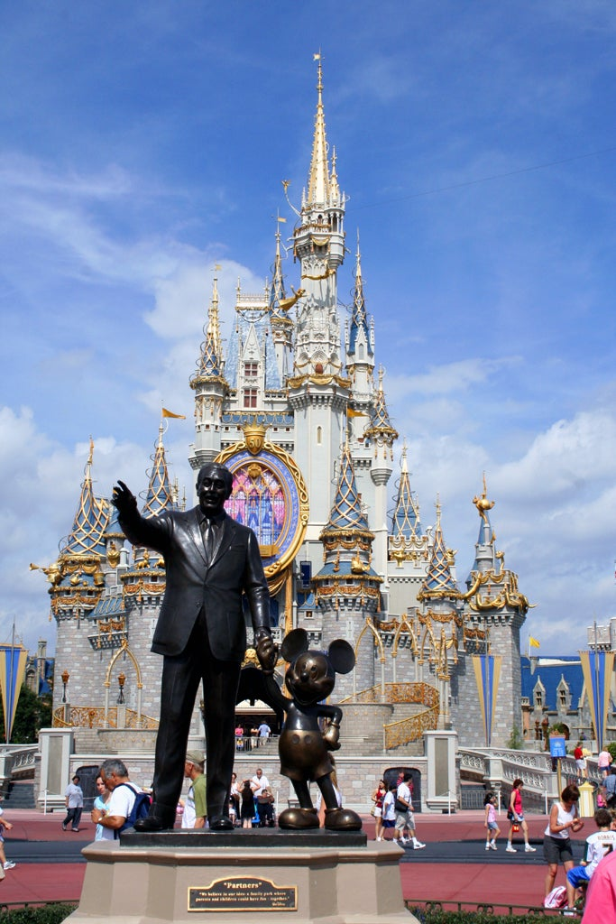 Statue of Walt Disney