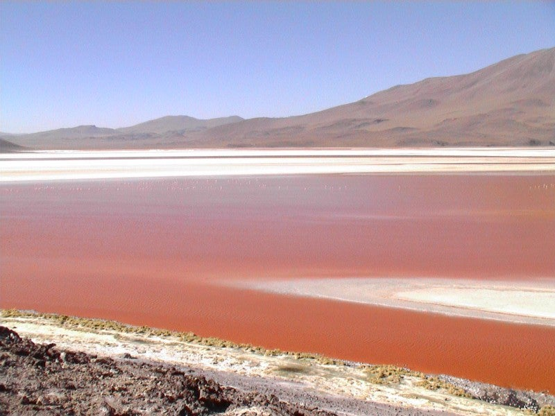 Embalse en Laguna Colorada