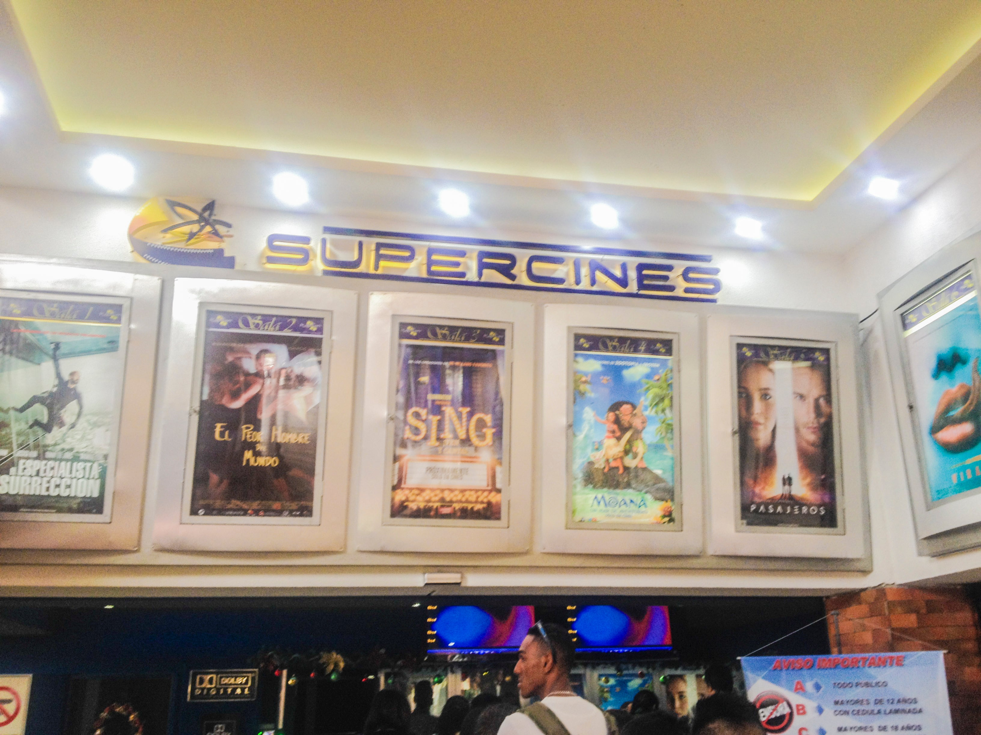 Super Cines La Cascada
