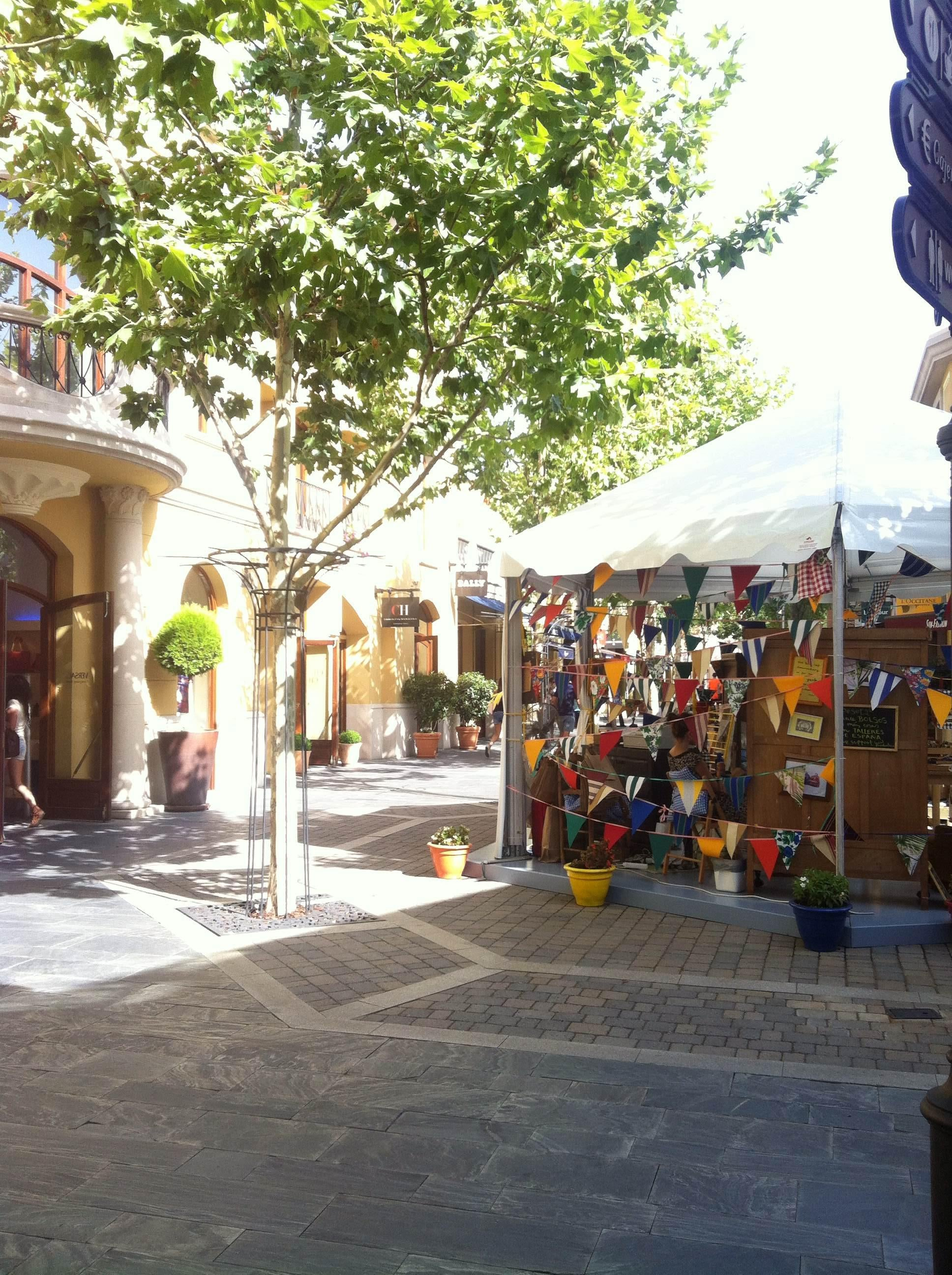 Taberna en Las Rozas Village outlet shopping