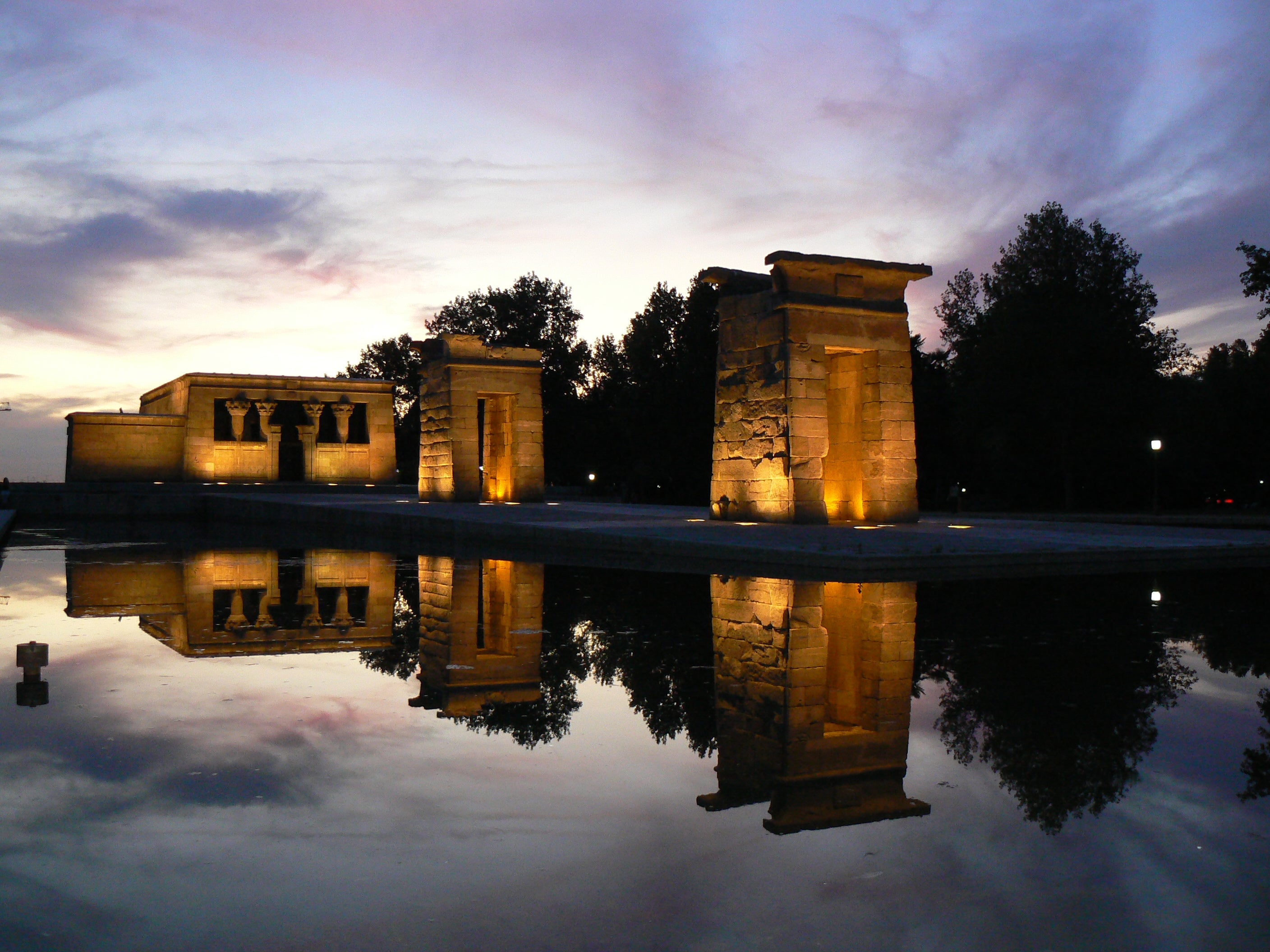 Transport in Temple of Debod