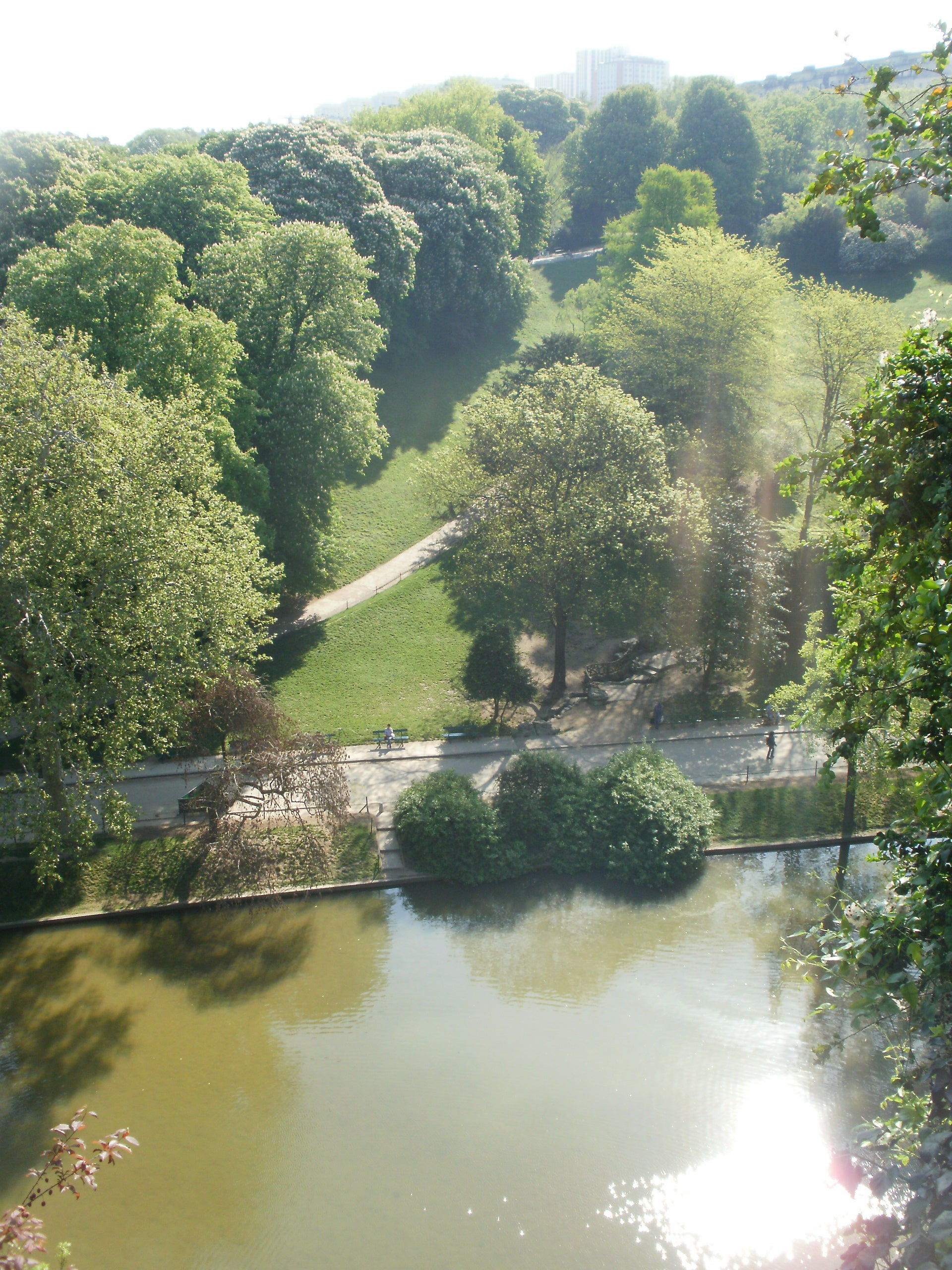 Embalse en Parque Buttes Chaumont