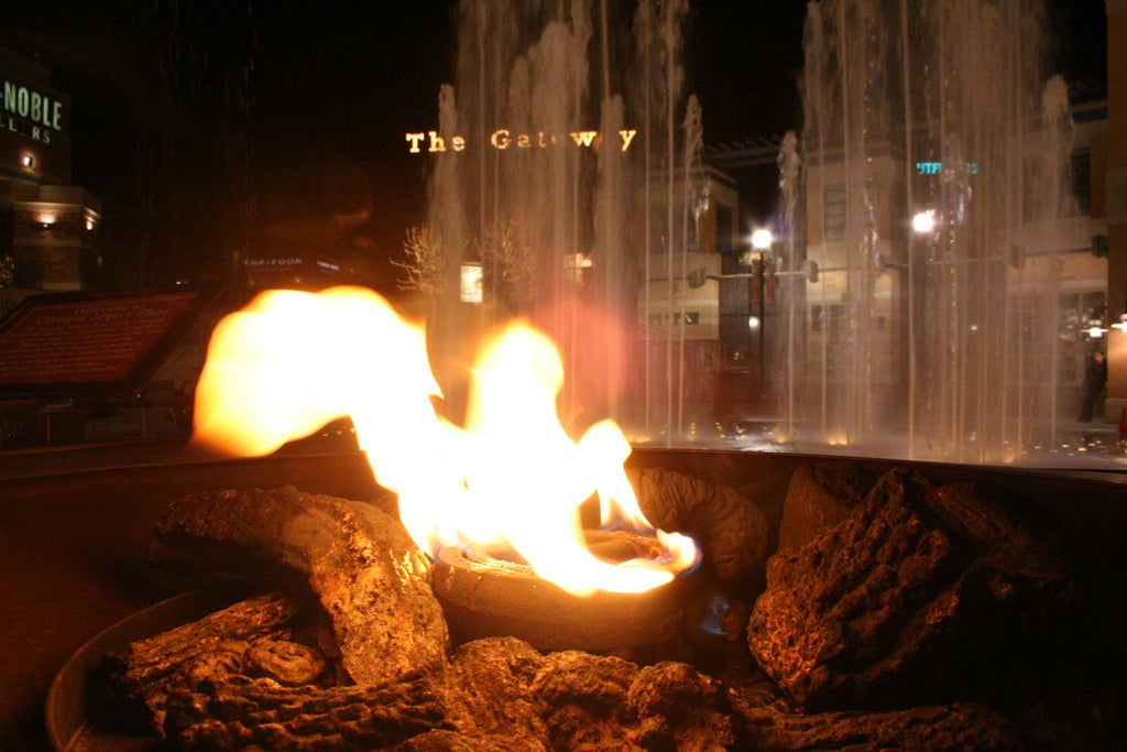 Fuego en The Gateway Mall