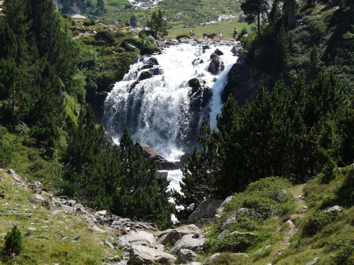 Forau and Waterfall DÁiguallut (2020m).