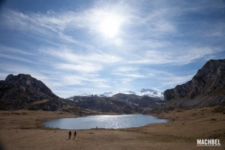Hiking by the Lagos de Covadonga
