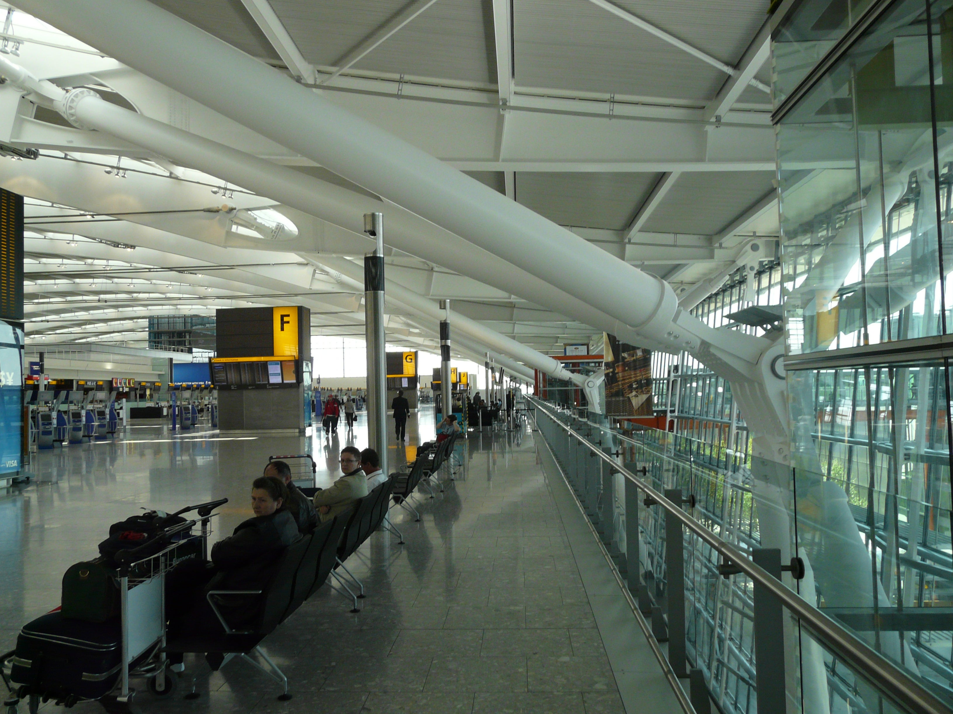 Vehículo en Aeropuerto de Londres - Heathrow