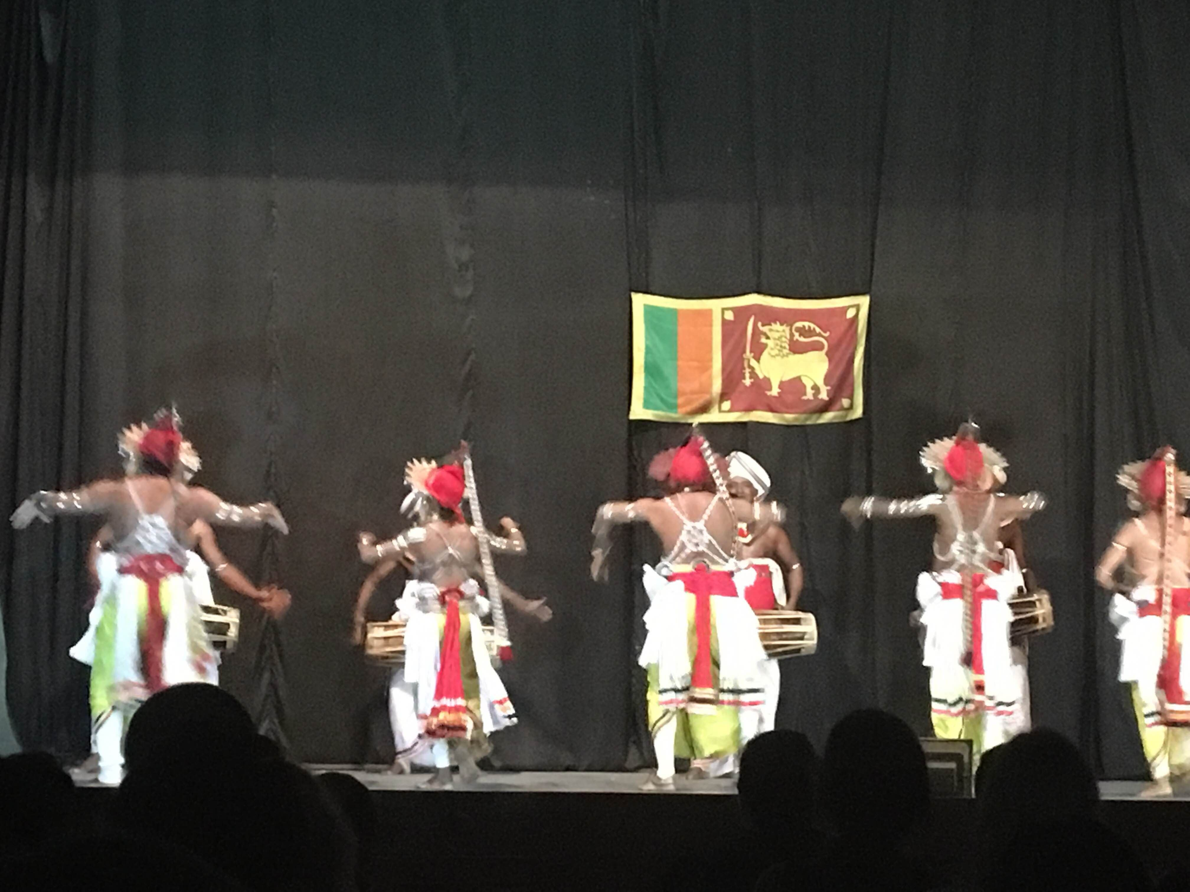 Musical en Kandyan Dance Performance