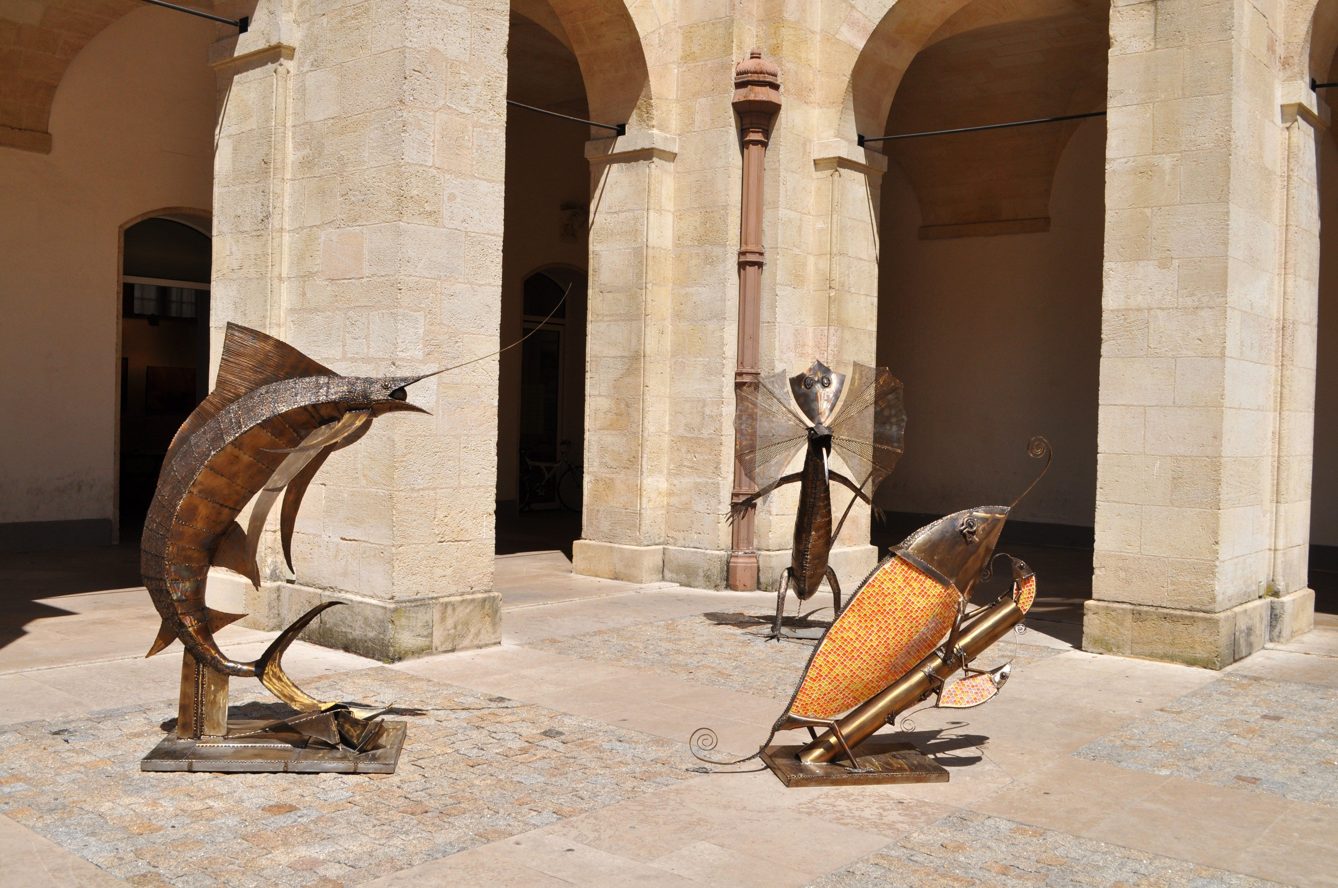 Escultura en Patio Mably