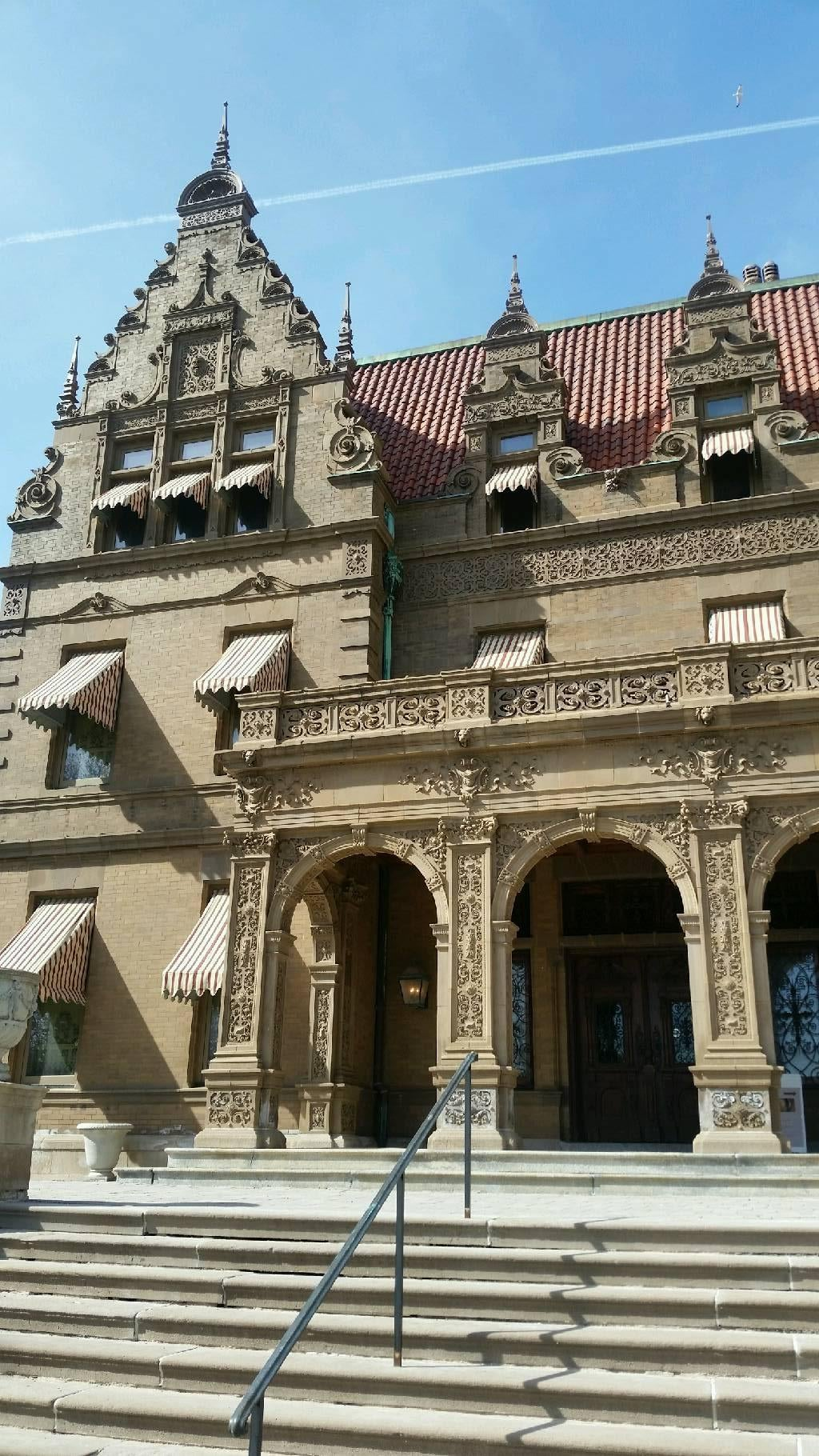 Catedral en The Capt Frederick Pabst Mansion, Inc.