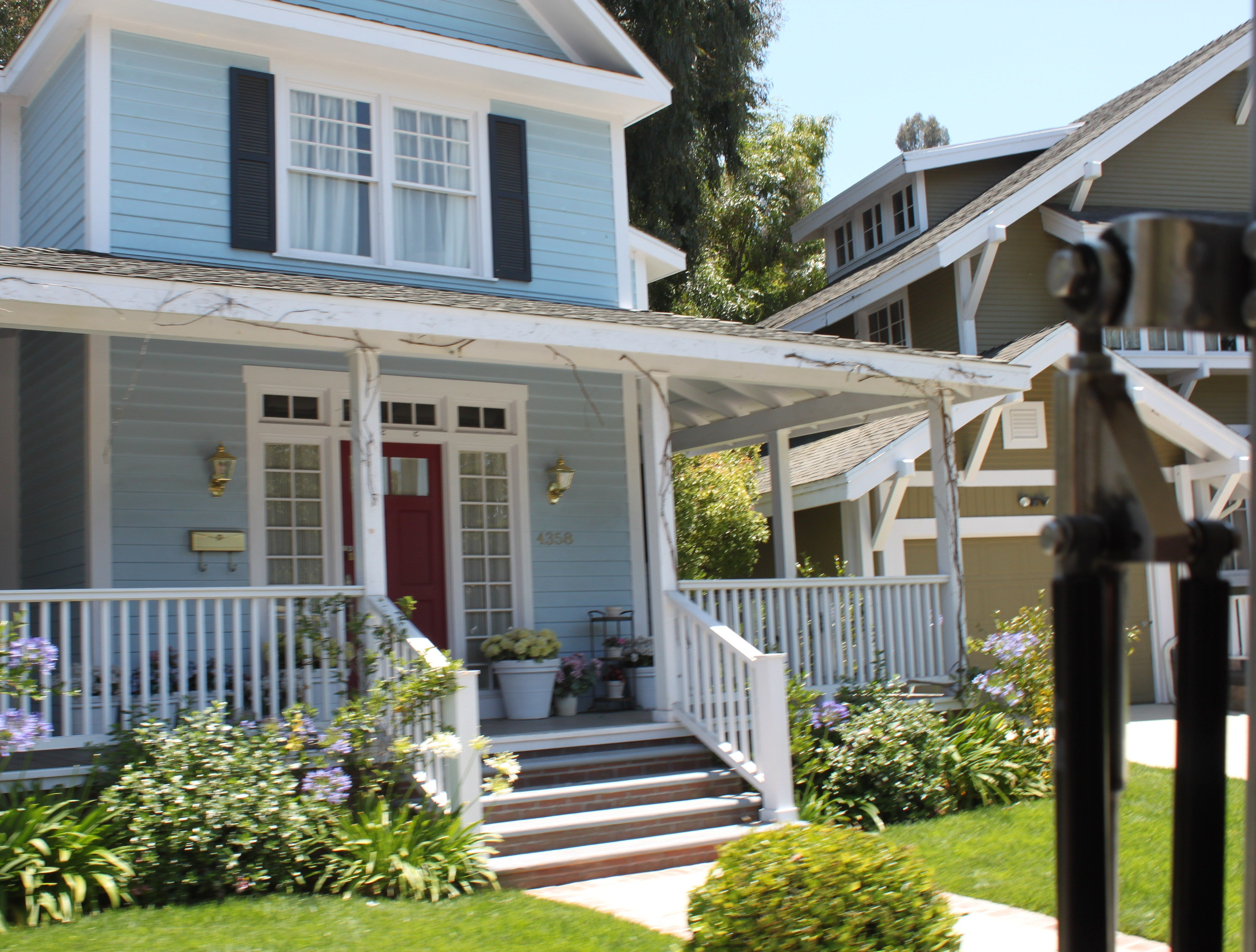 Set of Desperate Housewives