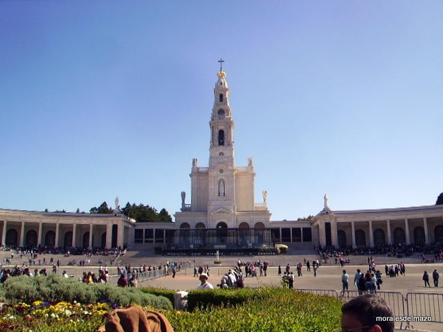 Tourism in Basilica of Our Lady of the Rosary of Fatima