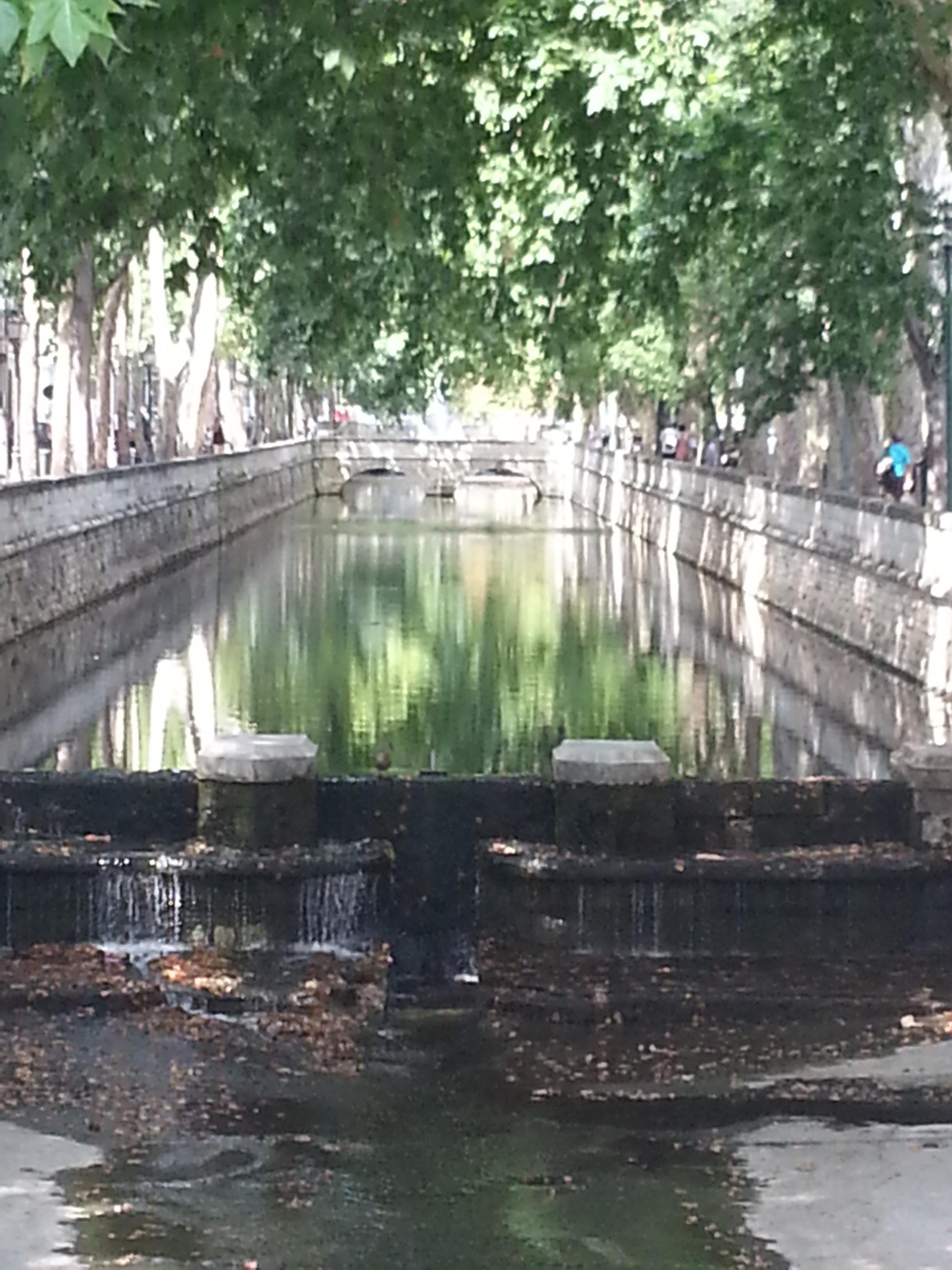 Nimes and its river