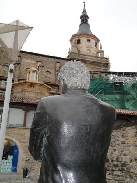 Estatua de Ken Follett