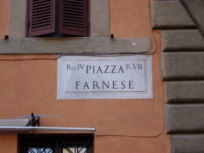 Plaza Farnese