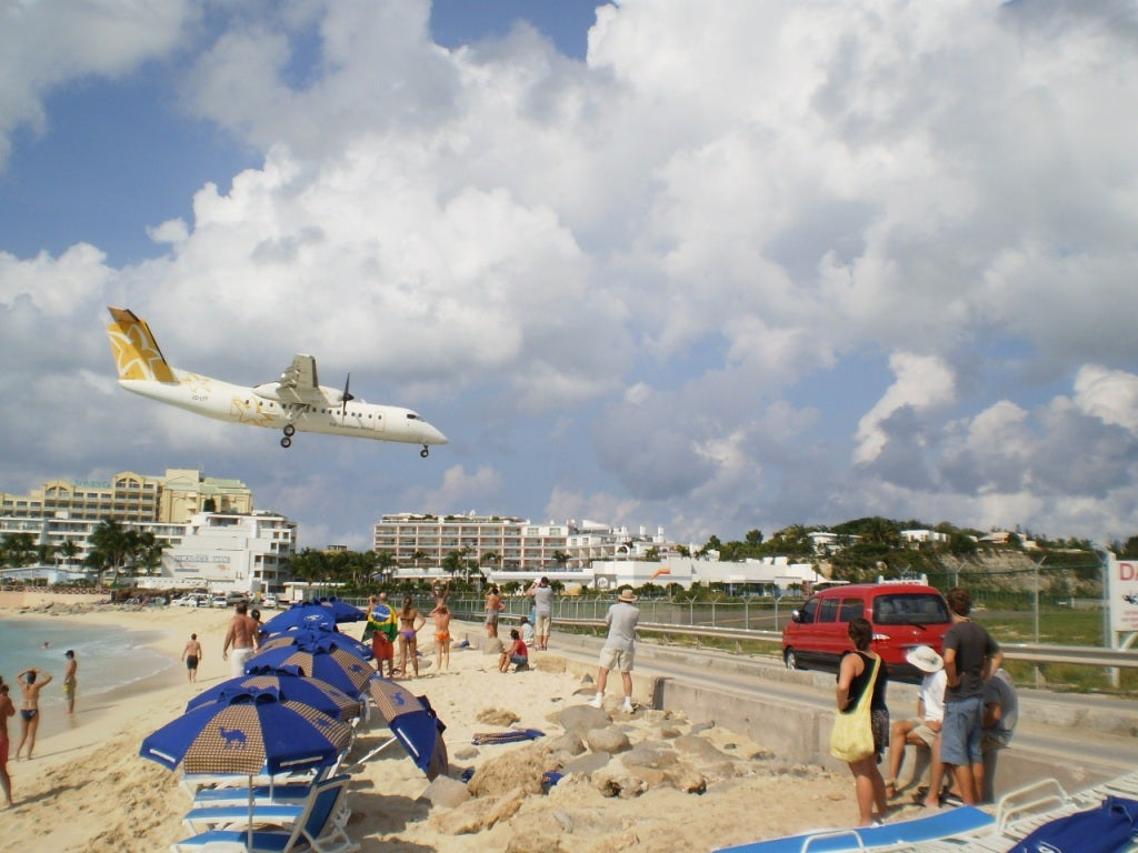Landings at Maho Beach