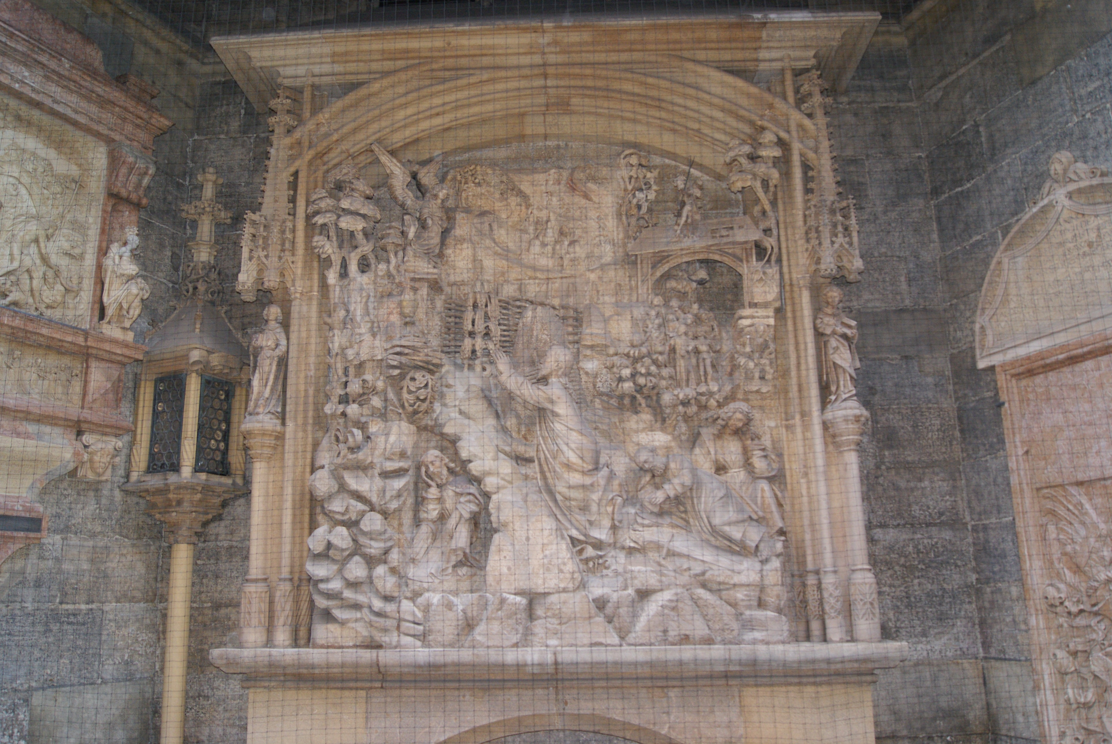 Relieve (escultura) en Catedral de San Esteban