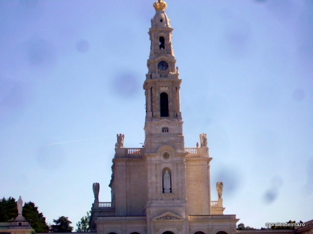 Monument in Basilica of Our Lady of the Rosary of Fatima