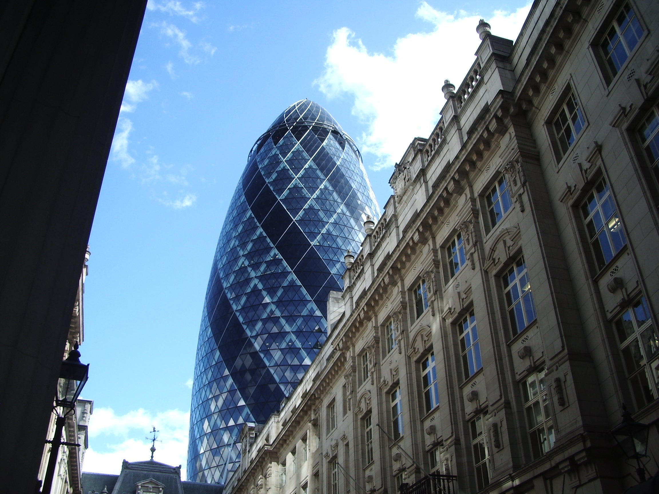 Cielo en Swiss Re Tower - Torre Gherkin
